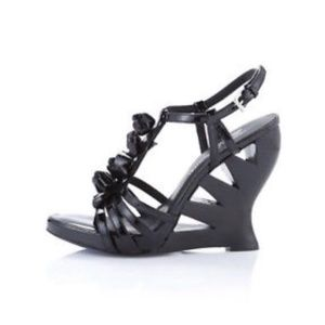 Donald J. Pliner patent leather flower wedges, 8.5